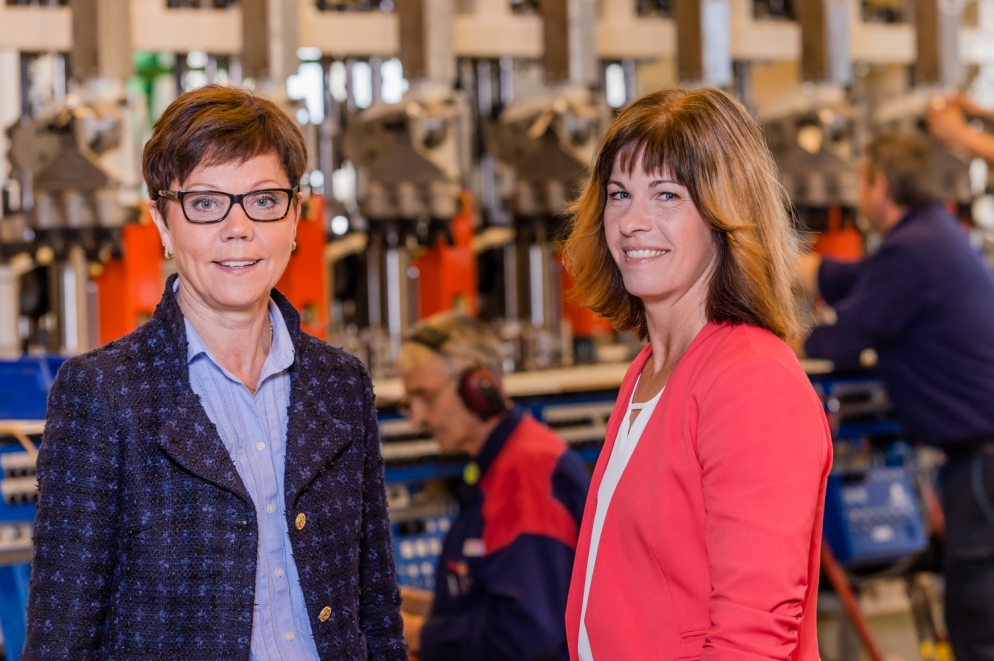 Fotografering på Emhart Glas Sweden AB för KFX, Kontorsfixarna i Sundsvall.